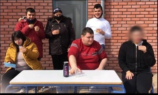 ΦΩΤΟΓΡΑΦΙΑ ΟΜΑΔΑΣ
